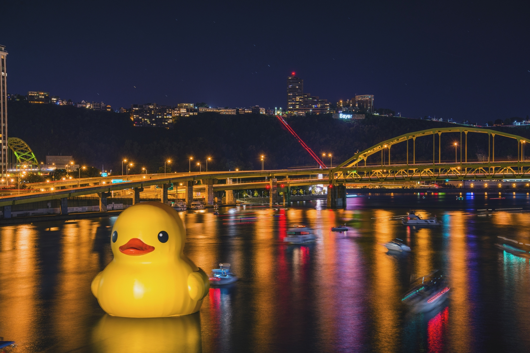 Giant Rubber Duck and Pittsburgh Pirates Playoff Baseball   Pittsburgh 1719x1147