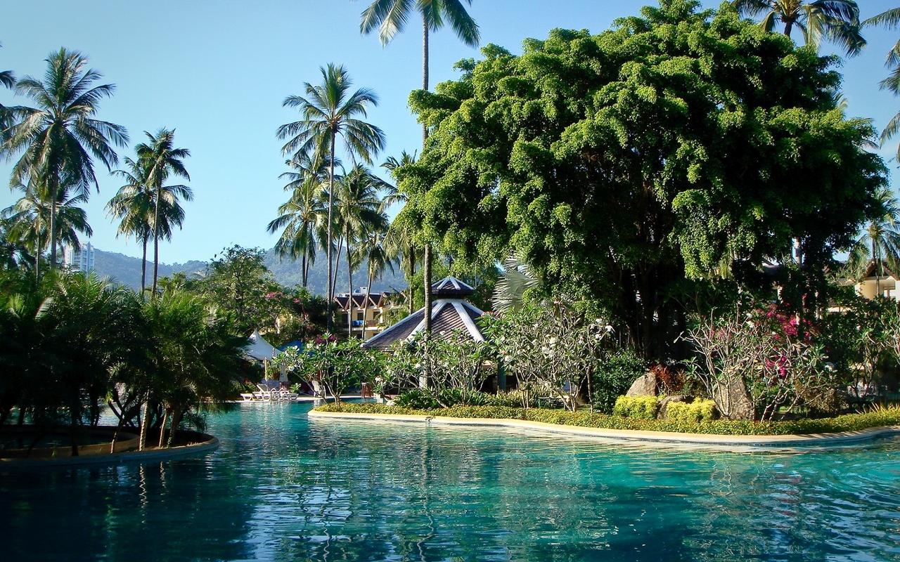 Exotic holiday resort wallpaper 25586 1280x800