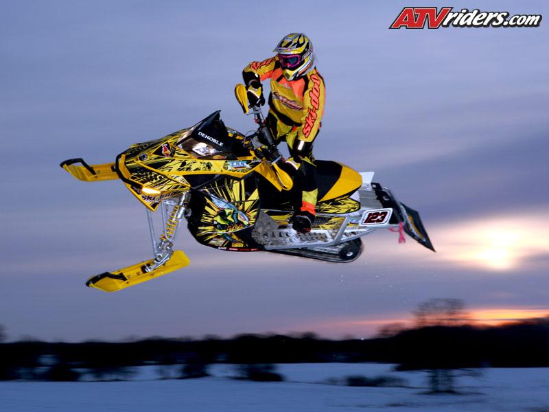 ski doo snowmobile wallpaper 800x600
