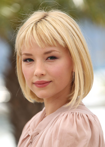 haley bennett actress haley bennett attends the 425x594