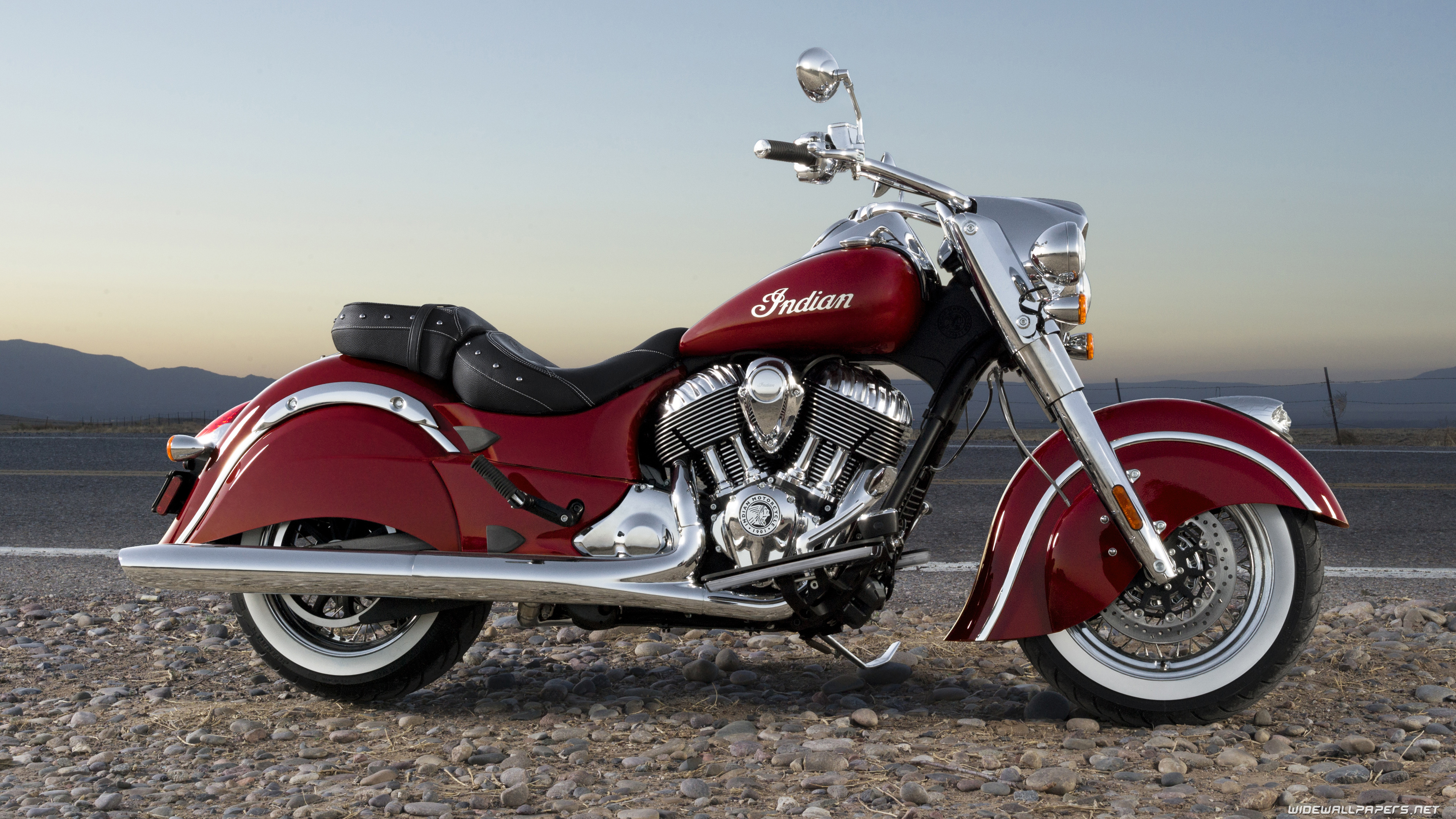 Indian Chief Classic motorcycle desktop wallpapers 4K Ultra HD 3840x2160