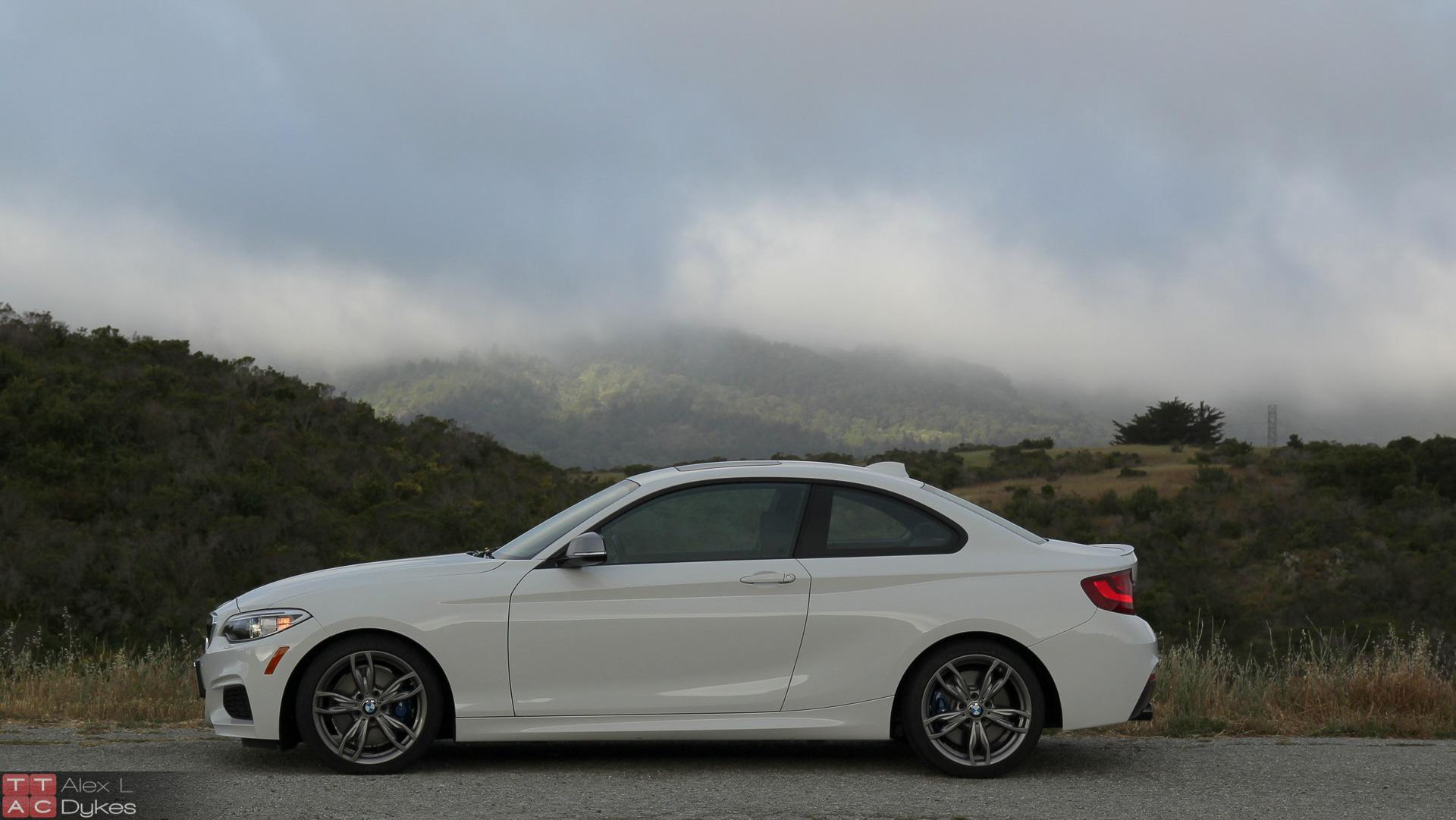 2015 BMW M235i High Resolution Wallpaper 1920x1081