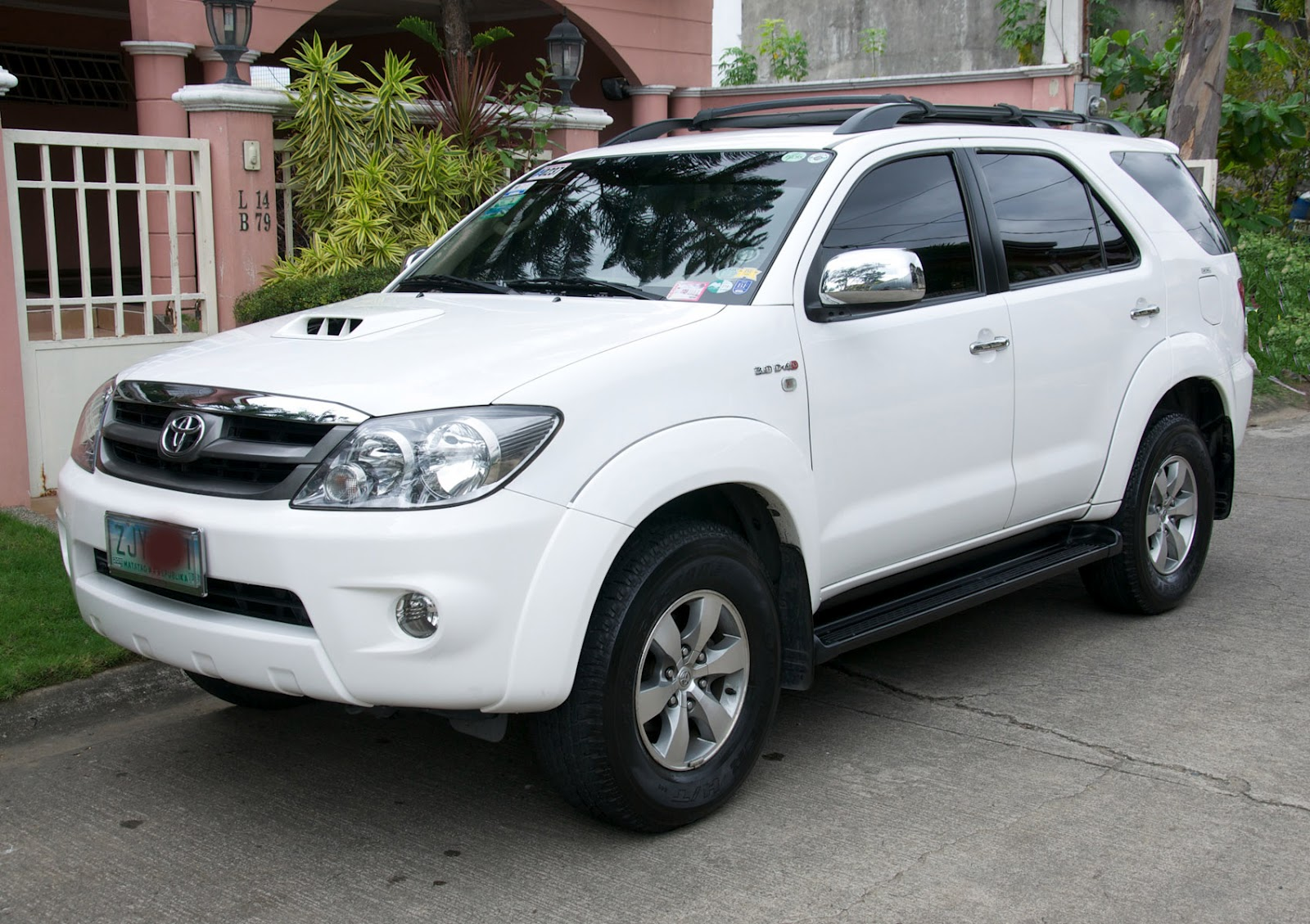 Best Toyota Fortuner Wallpapers Part 8 Best Cars Hd   Fortuner Car 1600x1129