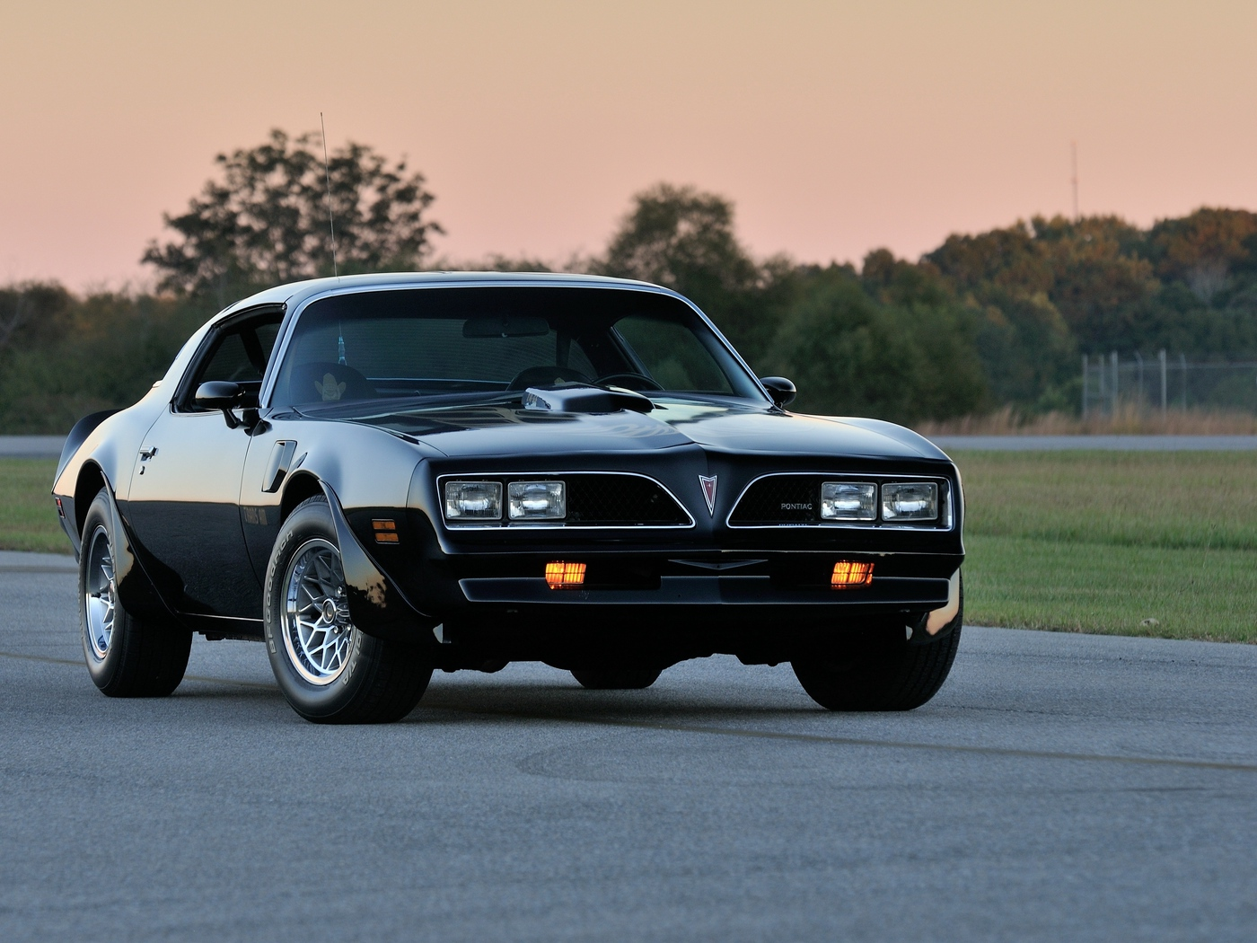Download wallpaper 1400x1050 pontiac firebird trans am ws6 1400x1050