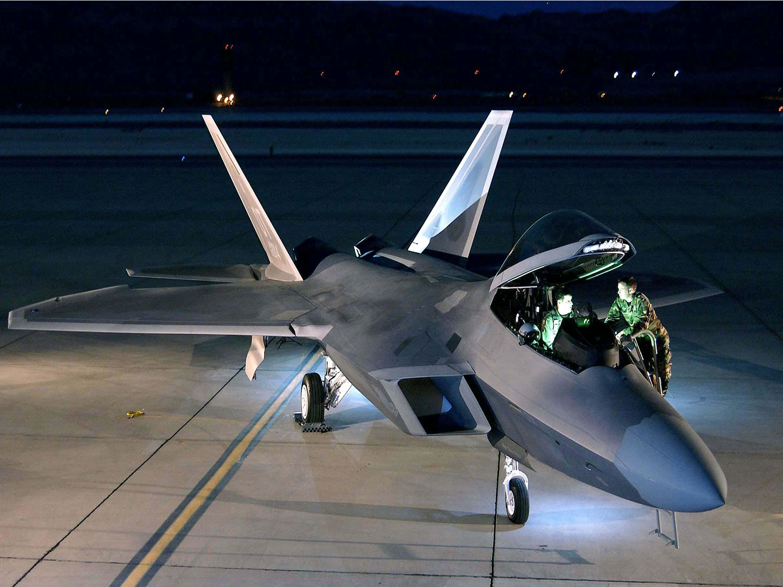Download F 22 Raptor wallpaper F 22 raptor 1 1600x1200