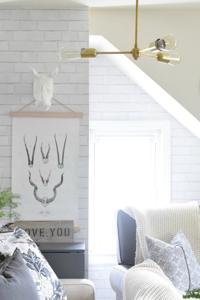 Capturing the Wow Factor with Minimalist Lighting Inspiration 683x1024