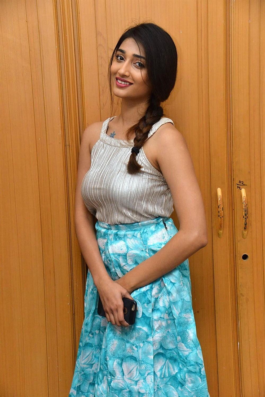 Actress Priya Vadlamani Latest Images Husharu Success Meet 1000x1500