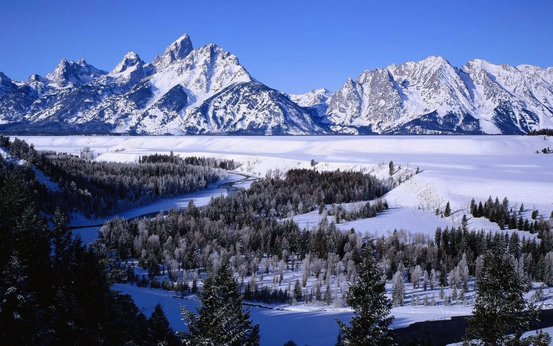Snowy Mountains Winter Activities 11097 Wallpaper Wallpaper hd 1920x1200