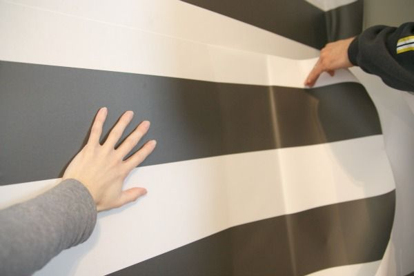 Removable Peel And Stick Wallpaper How To By House Tweaking 600x400