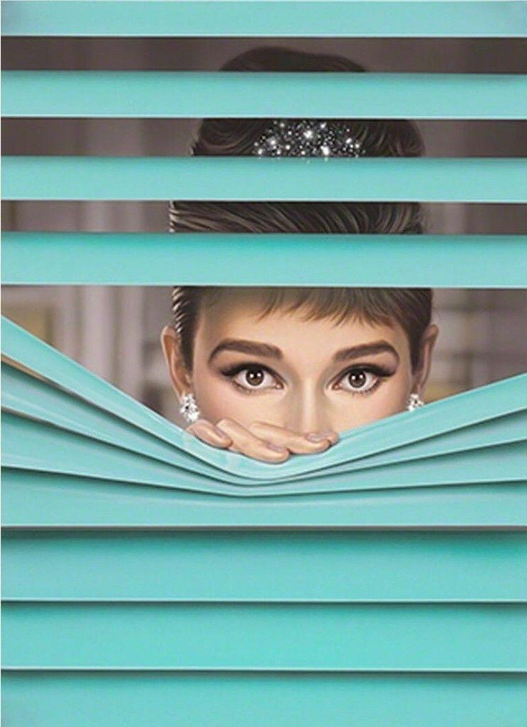How Tiffany Co Monopolized a Shade of Blue Tiffany blue 742x1024
