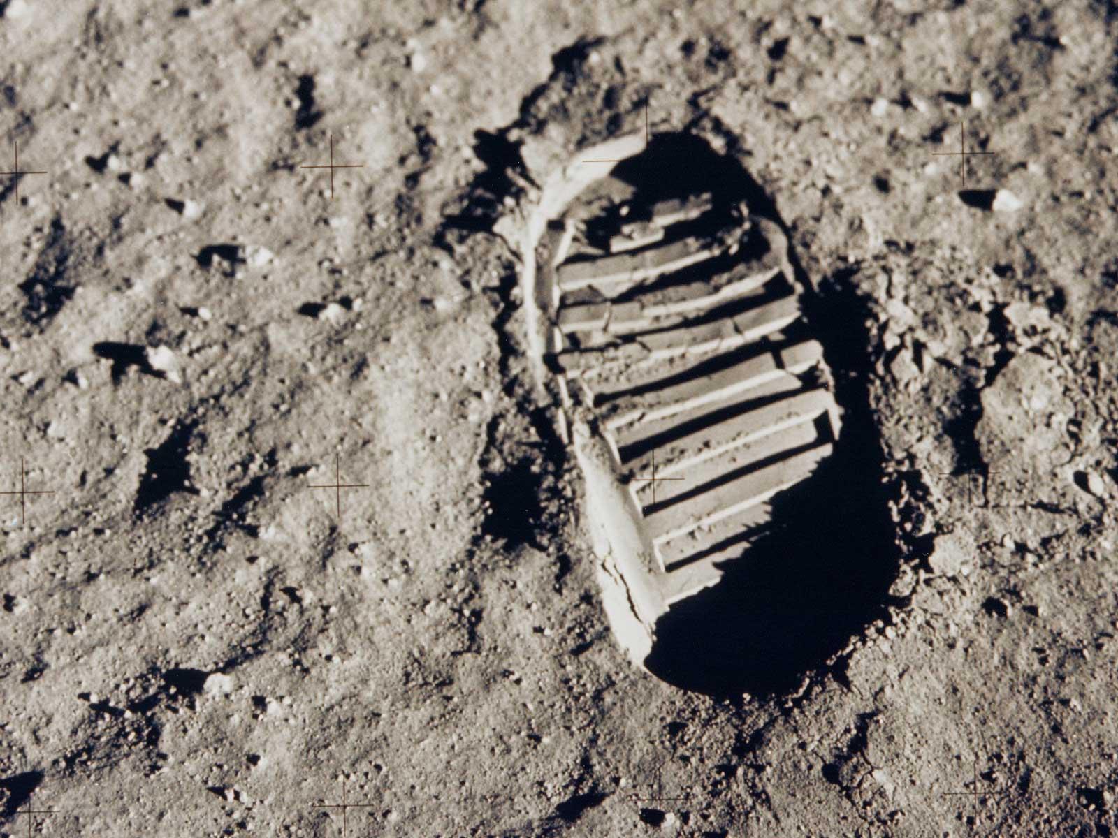 SPACE WALLPAPER Apollo 11 Bootprint 1600x1200