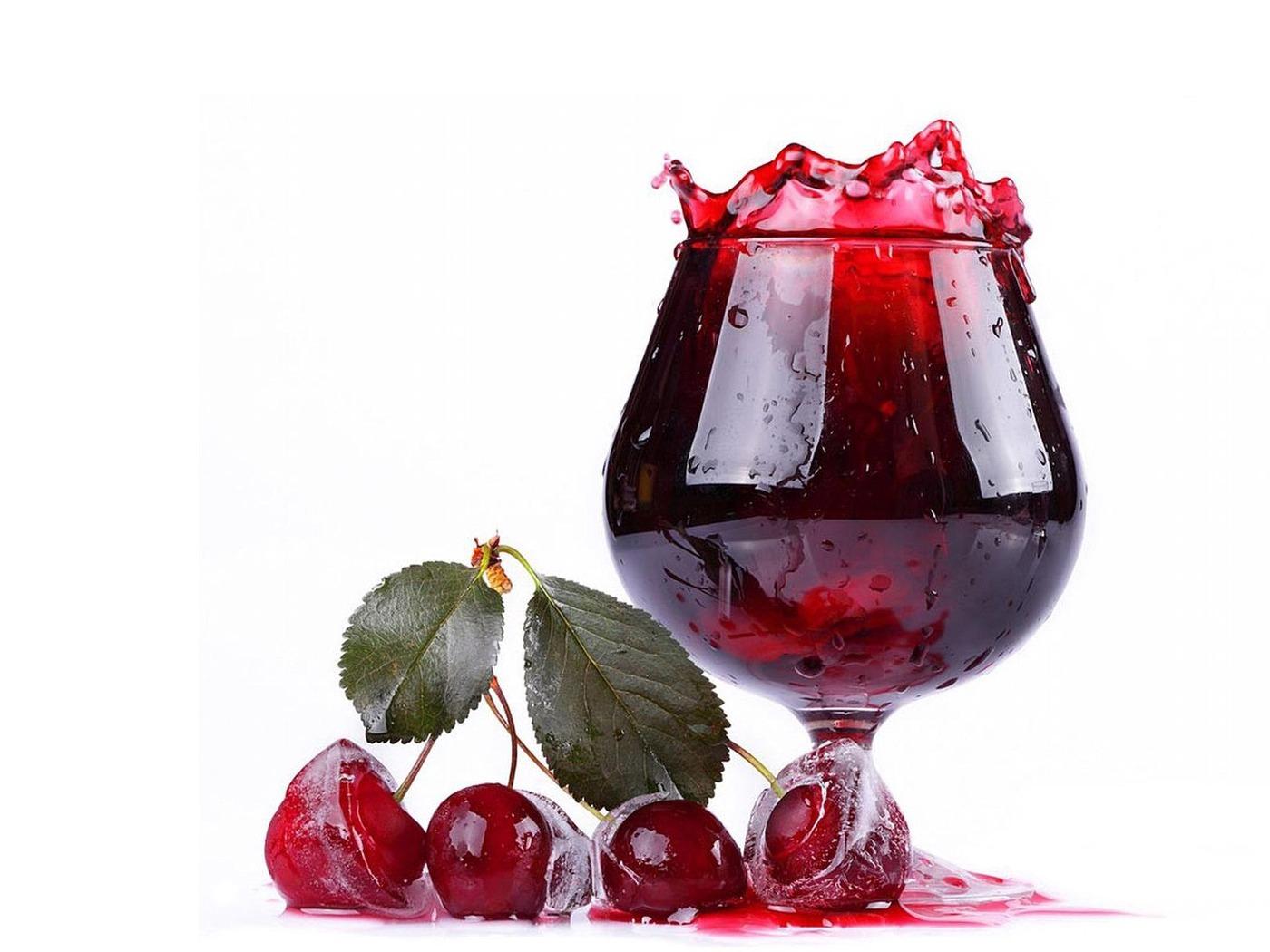 Download wallpaper 1400x1050 juice beverage fruit white 1400x1050