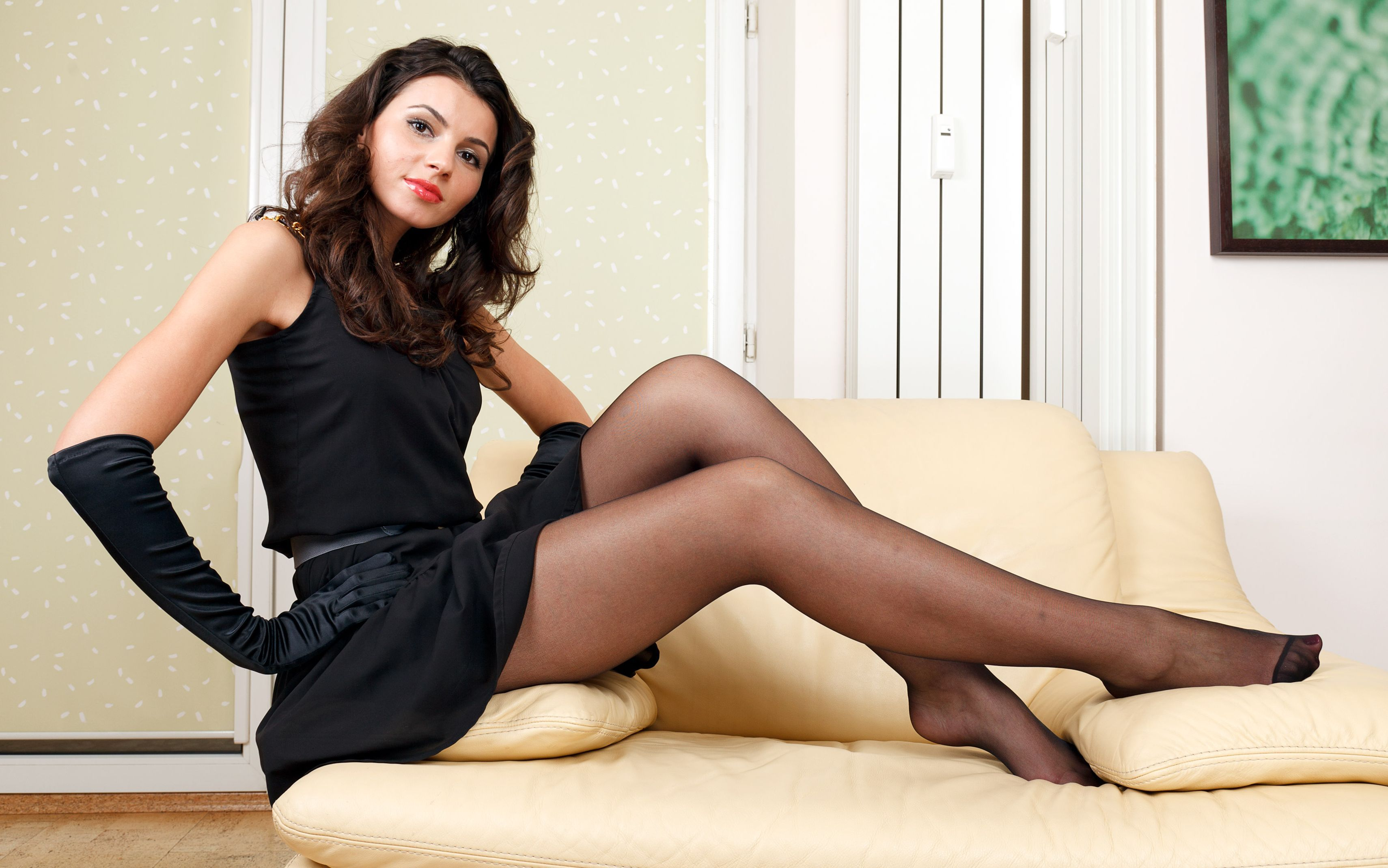 Teen glamour babe Melena A modeling in over the knee socks and high heels № 1684924 без смс