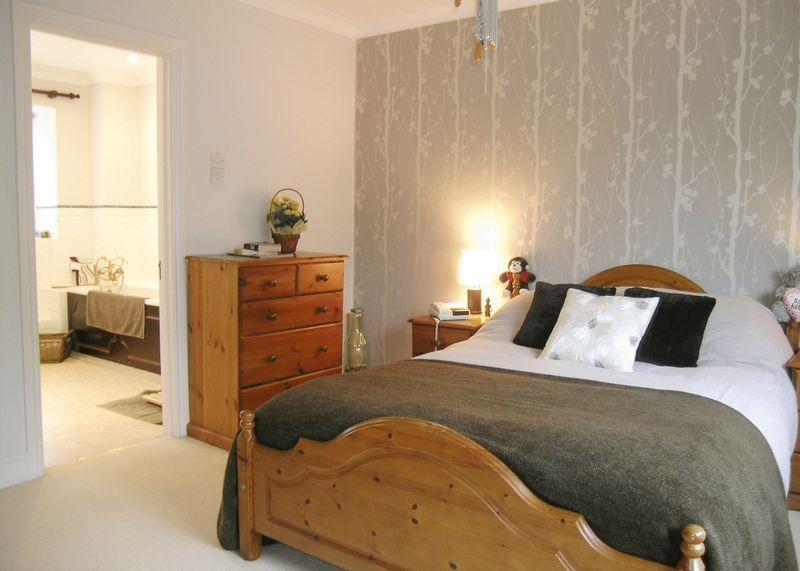 size delete 21074702 beige grey pine bedroom wallpaper feature wall 800x571