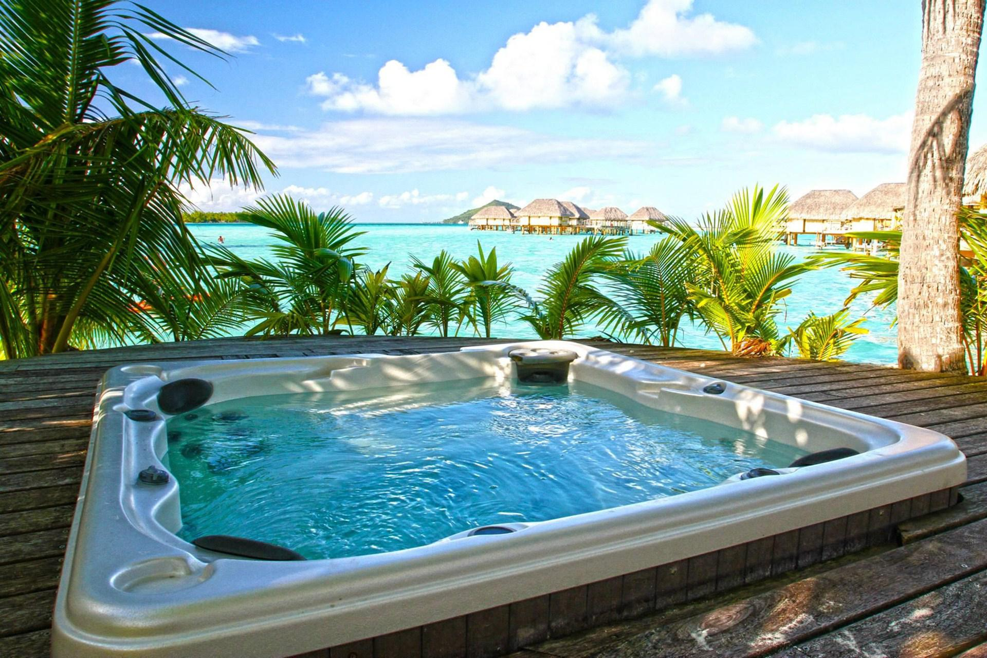 HD Hot Tub Beautiful Wallpaper Download   138935 1920x1280