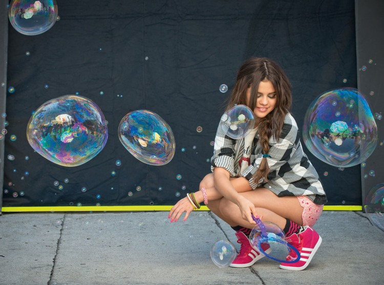 Selena Gomez Adidas Neo Photoshoot HQ HD Wallpapers Pictures   Fashion 750x557