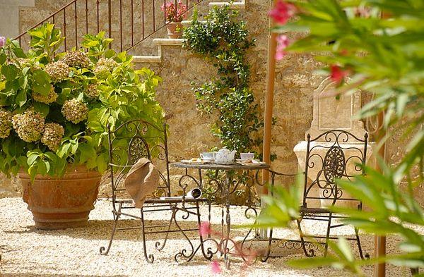 Hotel Chic Virtual Vacation at the Borgo Santo Pietro 600x393