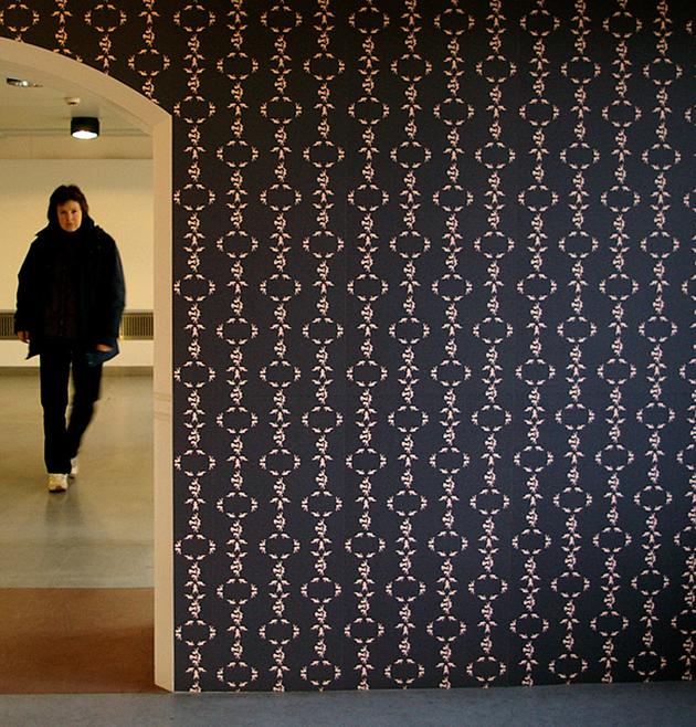 wallpaper installation 630x658