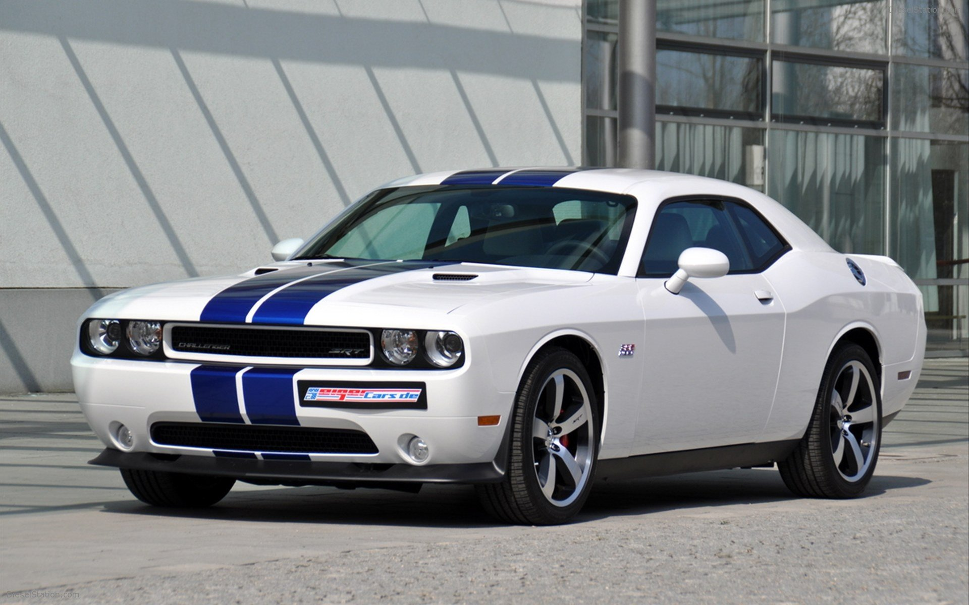 Cars Wallpapers Dodge Challenger SRT8 White Best Wallpapers 9570 1920x1200