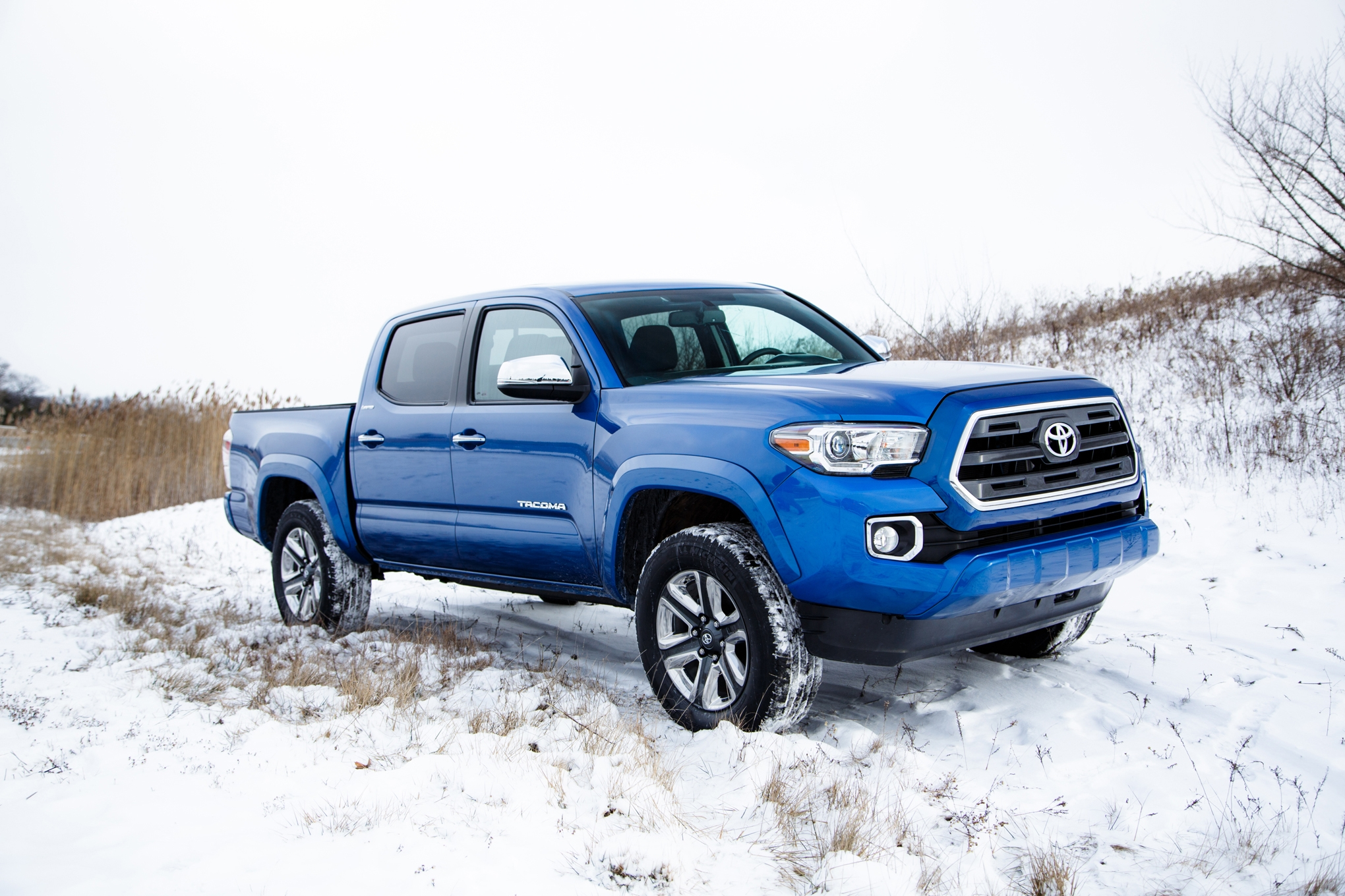 2016 Toyota Tacoma Hd Wallpapers Download 2040x1360
