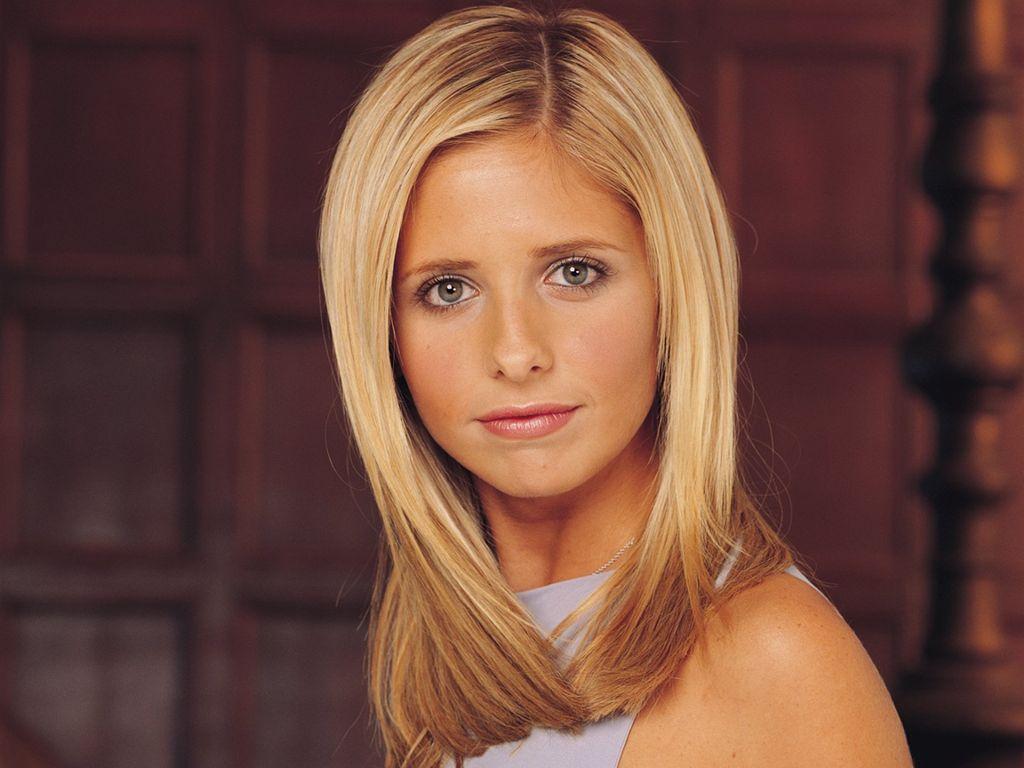 Sarah Michelle Gellar Buffy Wallpaper