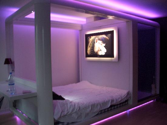 Purple Room Design Pictures 2 Purple Bedroom Interior Design Pictures 550x412