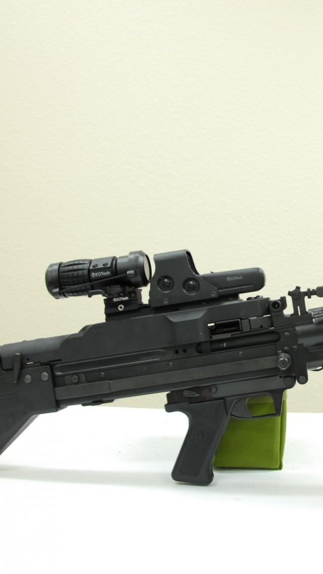 M60 Wallpaper Military Weapons M60 machine gun 640x1138