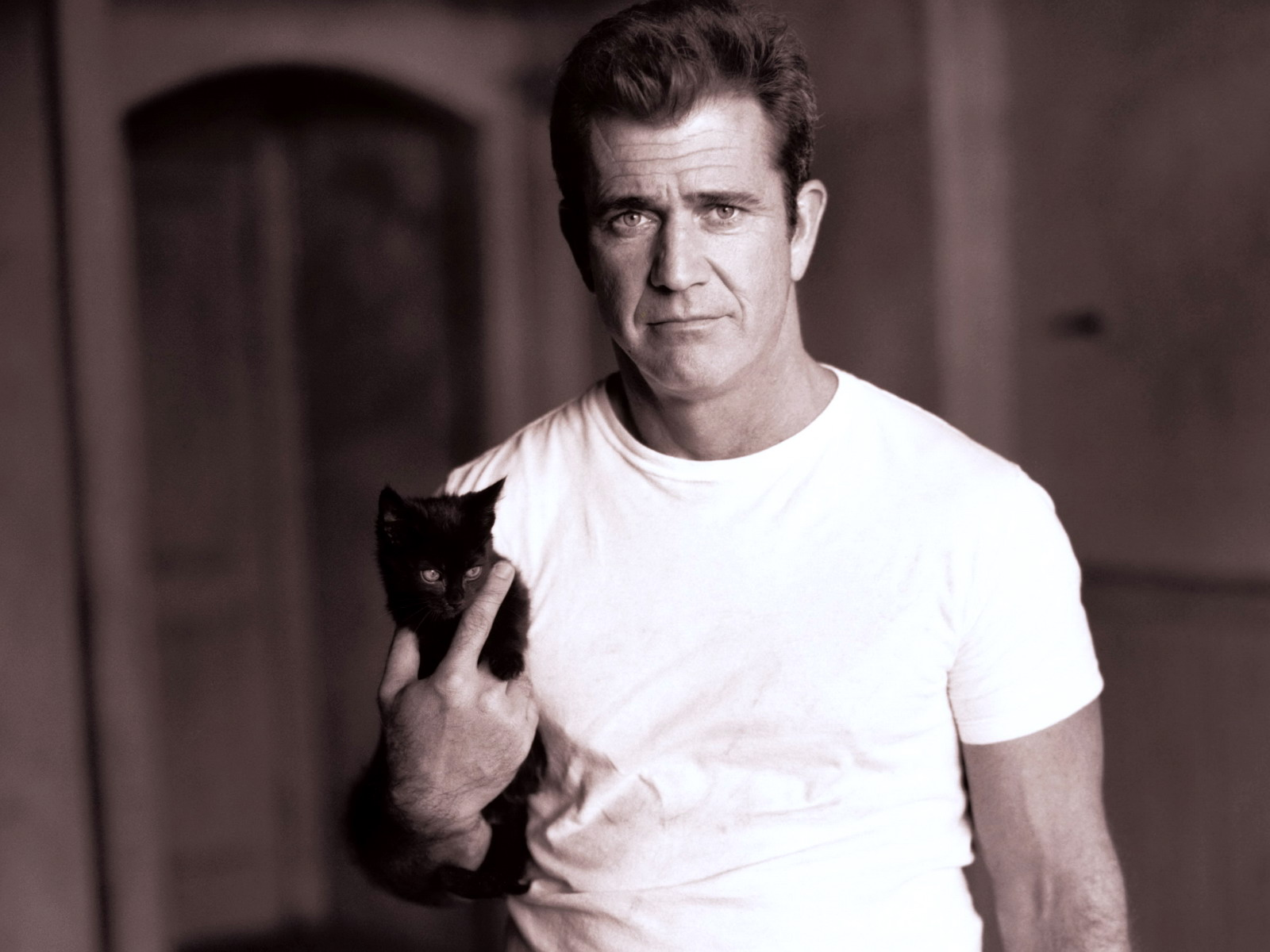 Mel Gibson Wallpapers 4K 1600x1200 px WallpapersExpertcom 1600x1200