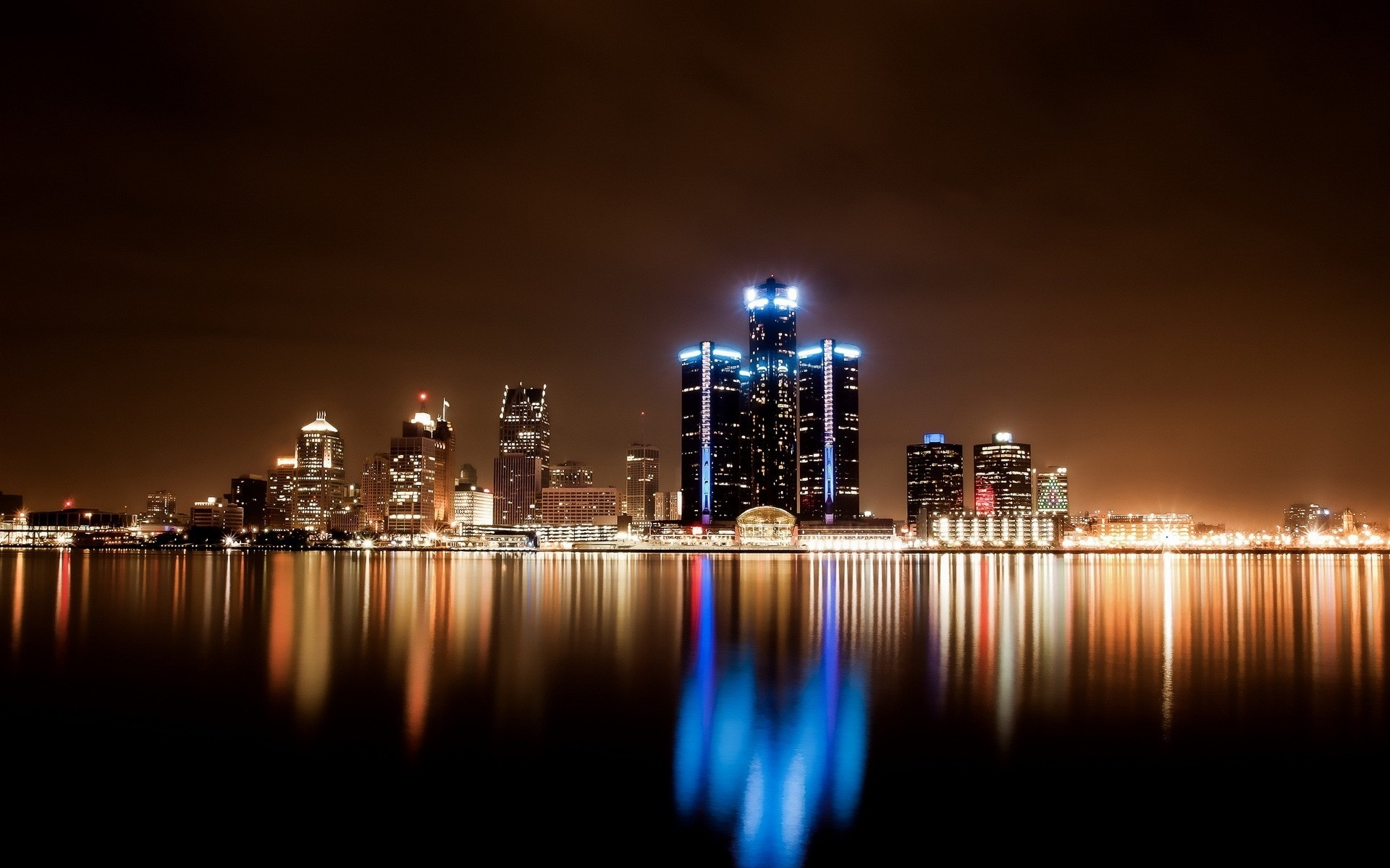 An unreal Mars skyline - Bad Astronomy : Bad Astronomy Pictures of detroit skyline at night