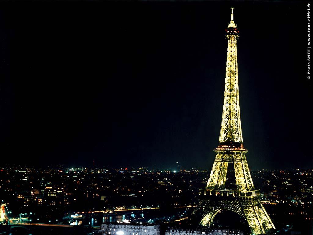 Cute Eiffel Tower Wallpaper: Paris France Desktop Wallpaper