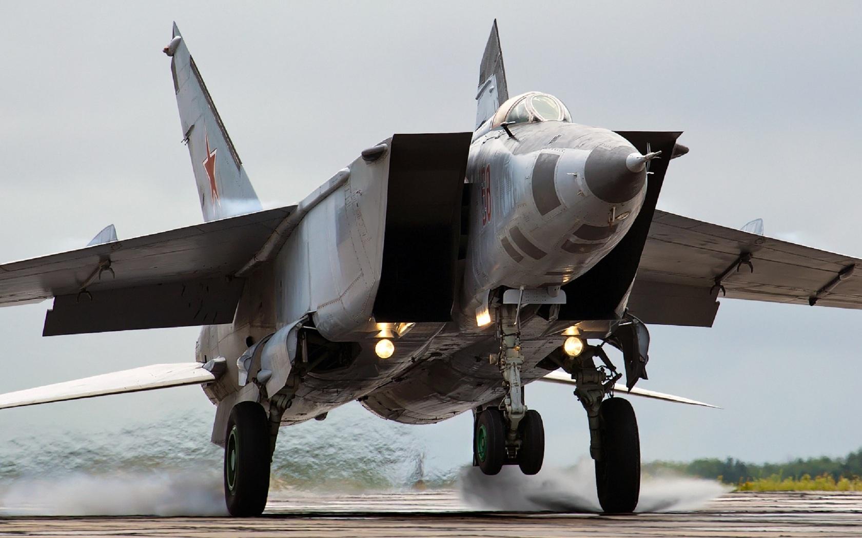 Mikoyan MiG 25 the Original Soviet Rat Rod MiGFlugcom Blog 1680x1050