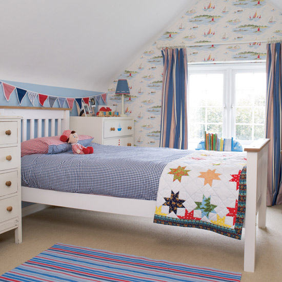 Wallpaper for Kids Bedroom HomeIzycom 550x550