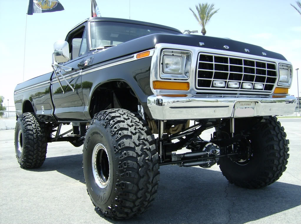 Jacked Up Trucks Lifted Chevy Chevrolet 1022x762