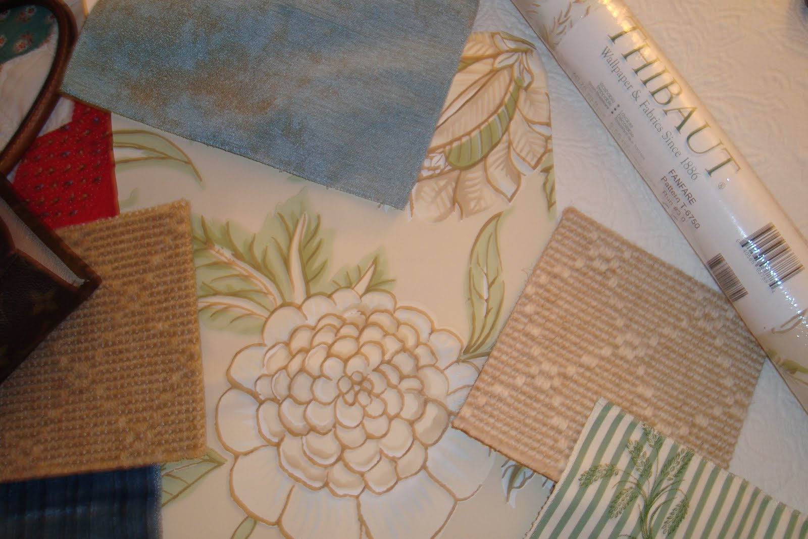Mary and I found this CHARMING wallpaper from THIBAUT for her master 1600x1067
