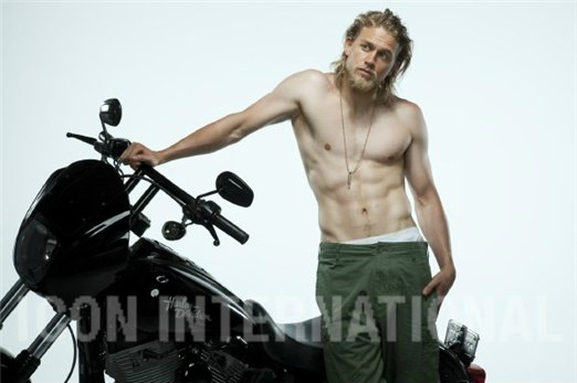 Charlie Hunnam   Sons Of Anarchy Photo 25476741 522x347