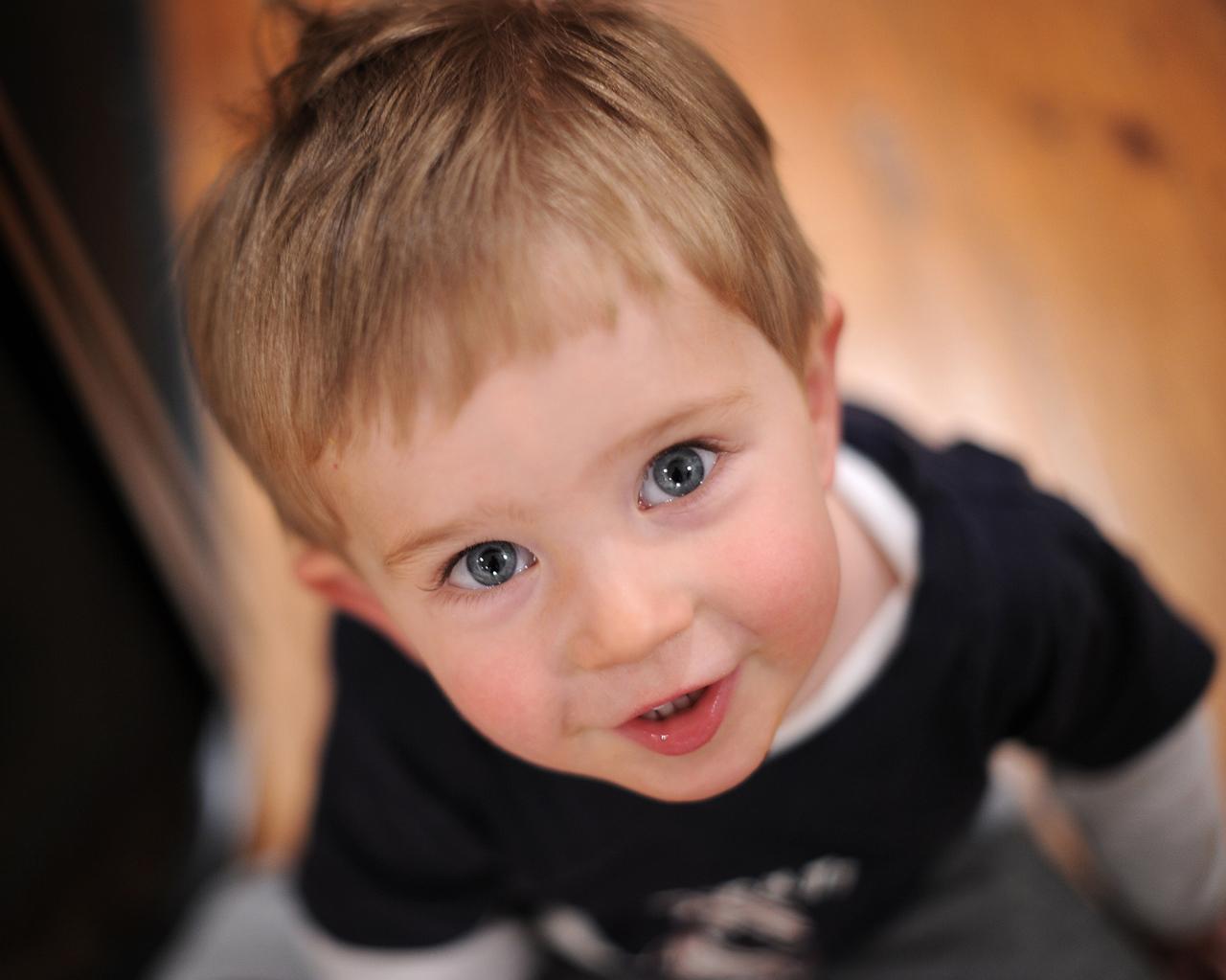 Cute boy hd wallpaper - Cute Little Baby Boy In Surprise Hd Wallpaper Cute Little Babies