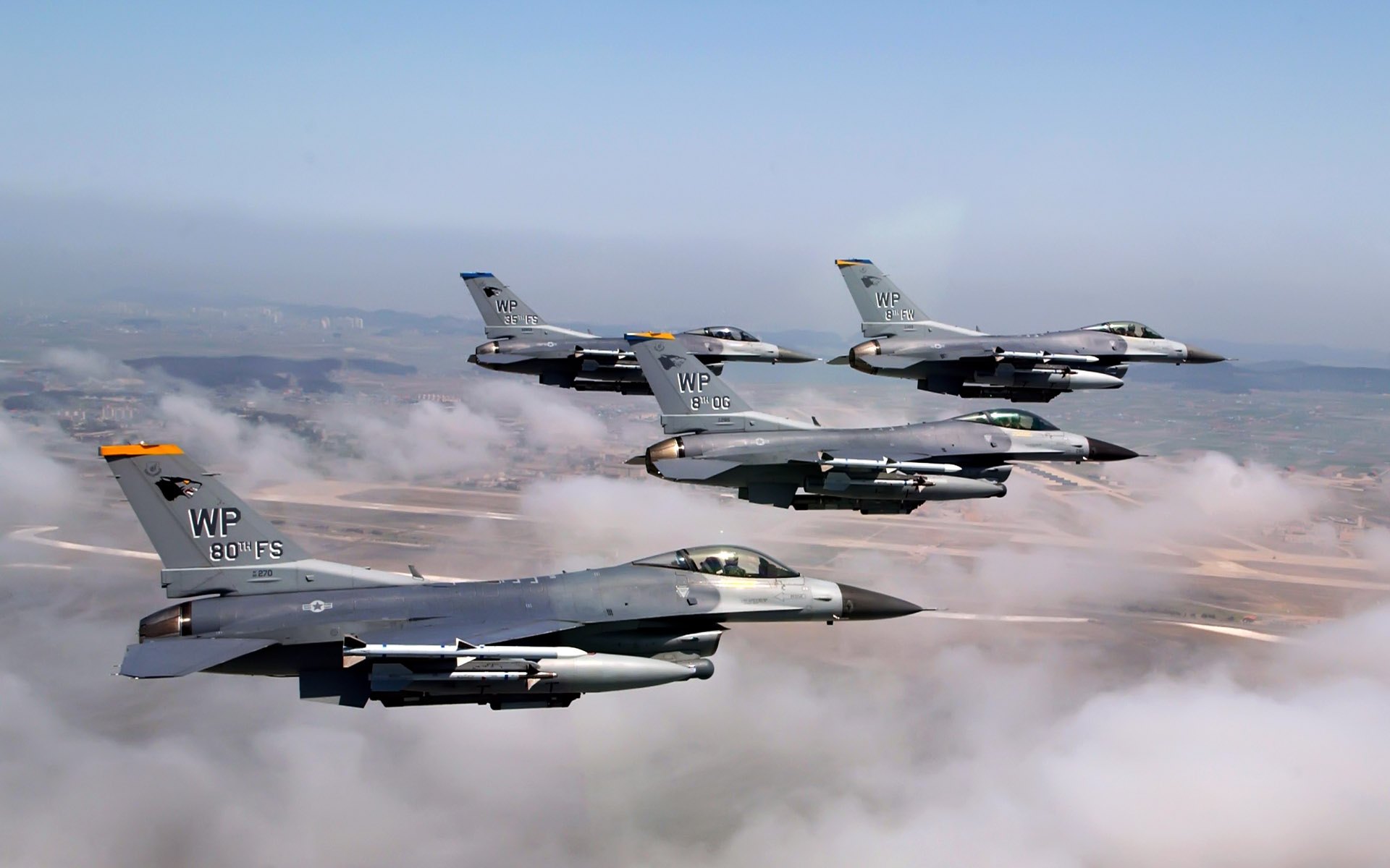 Formation of F 16 Fighting Falcons Wallpapers HD Wallpapers 1920x1200