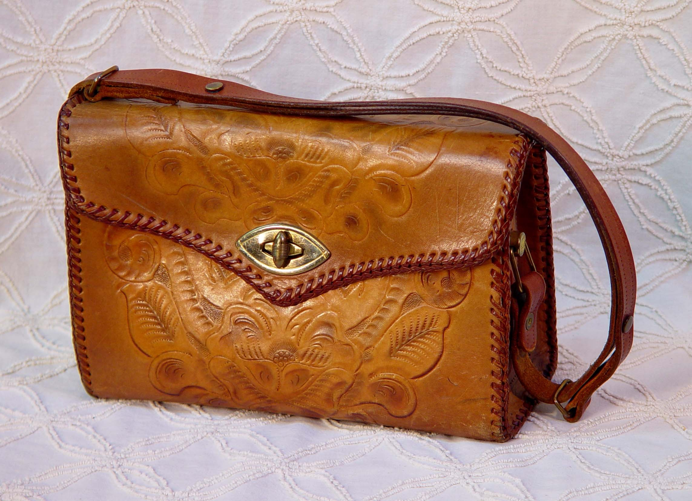 generator wallpaper 1960s American Cowgirl Hand Tooled Leather Bag 2286x1656