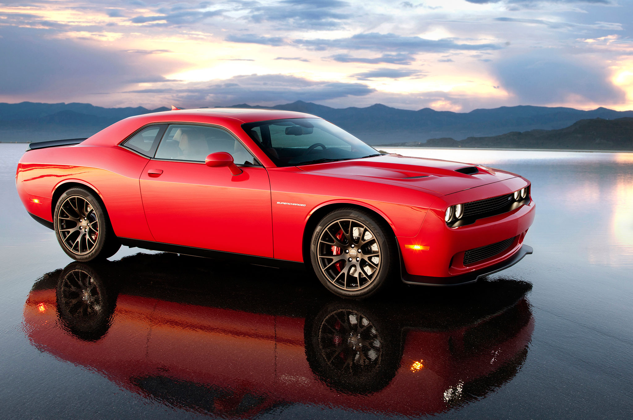 2015 Dodge Challenger Srt Hellcat Side View With Reflection Photo 61 2048x1360