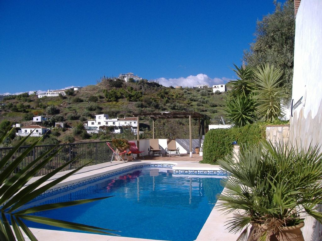 Beautifully restored farmhouse cottage private pool 10 mins from 1024x768