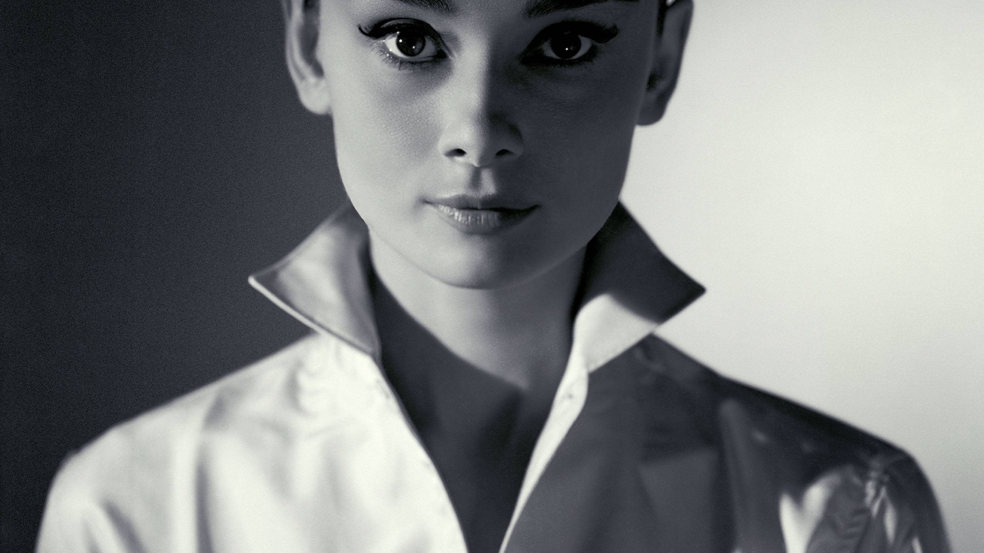 Download Audrey Hepburn Backgrounds 1920x1080