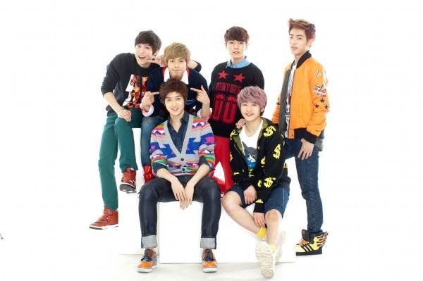 seventeen kpop boy group 600x399