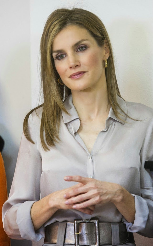 of spain queen letizia of spain photo 720240 0 vote 640x1032