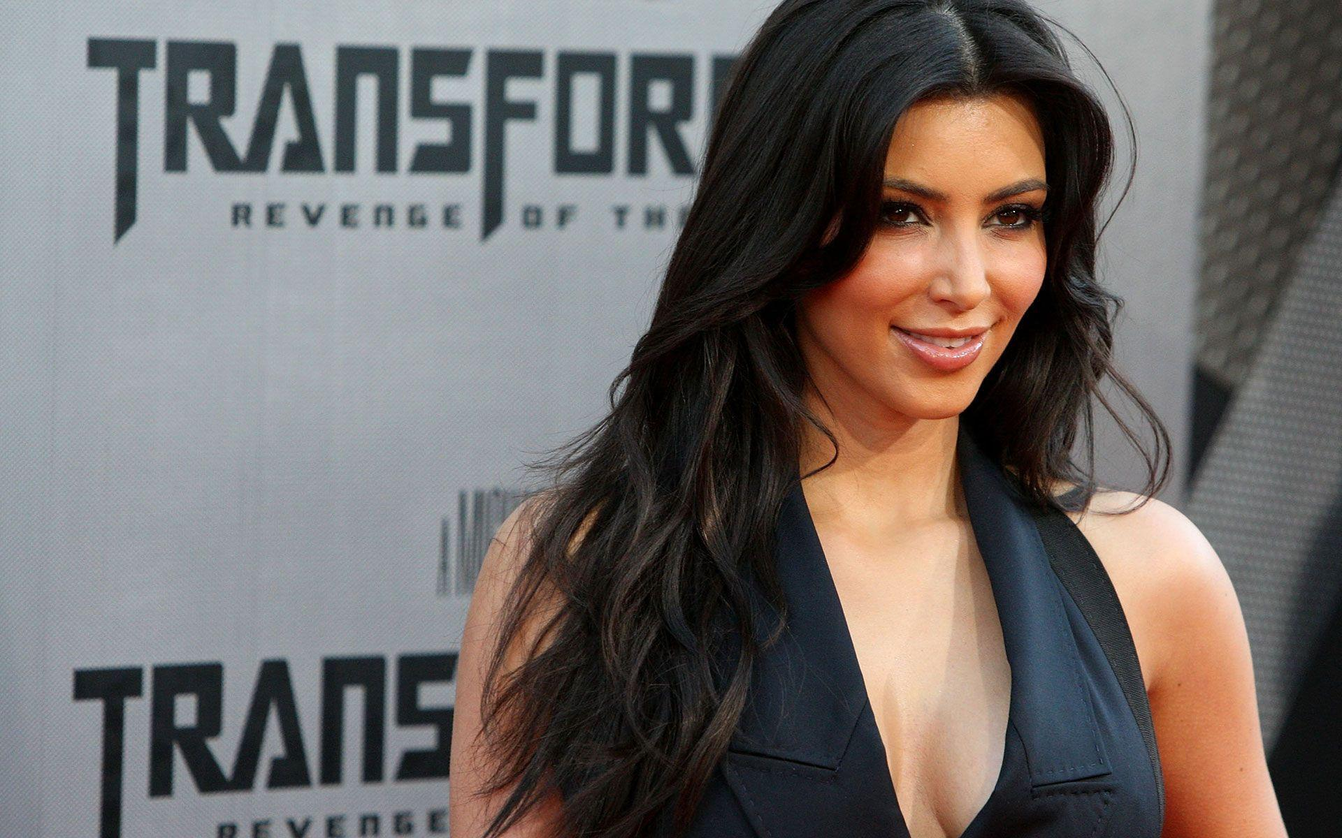 Kim Kardashian Wallpapers HD 1920x1200