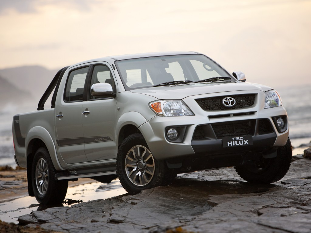 World Car Wallpapers 2011 Toyota hilux 1024x768