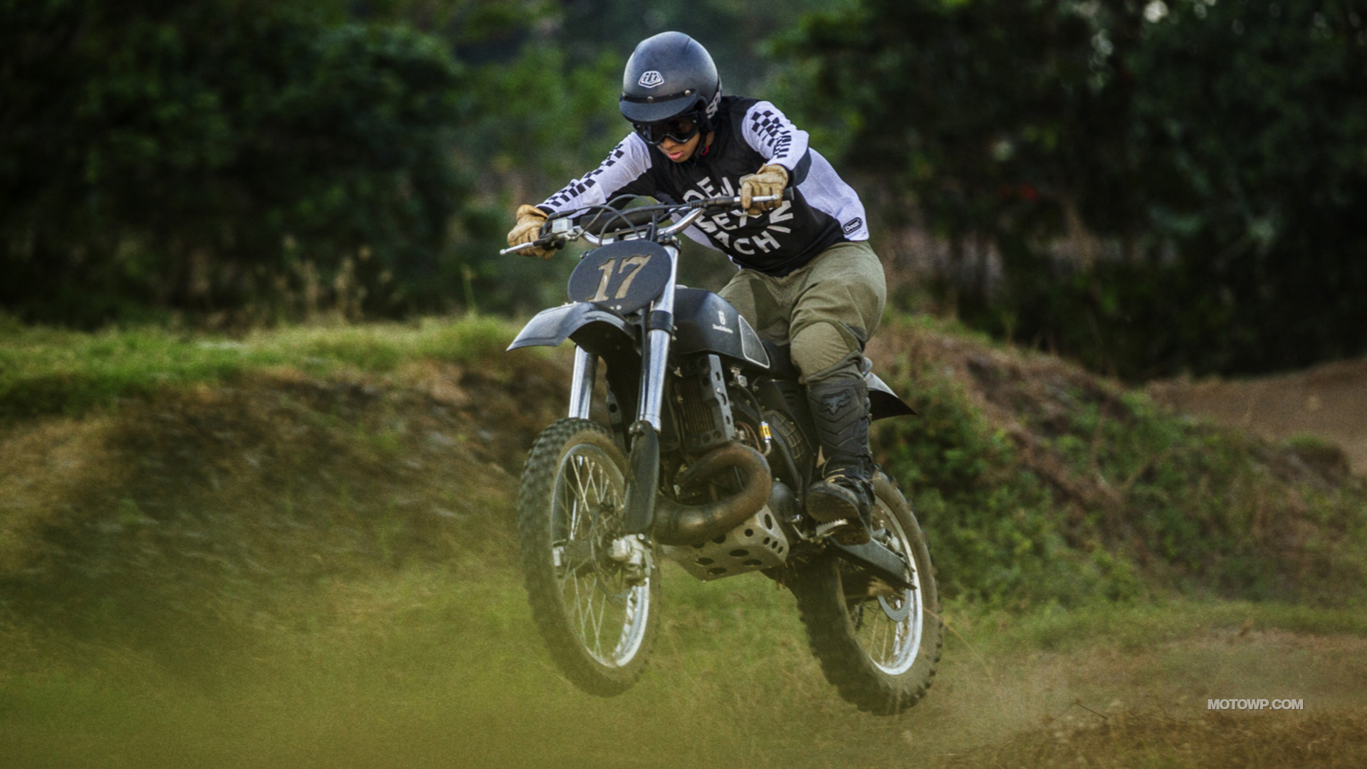 Custom motorcycle desktop wallpapers Deus Ex Machina Swede 1920x1080