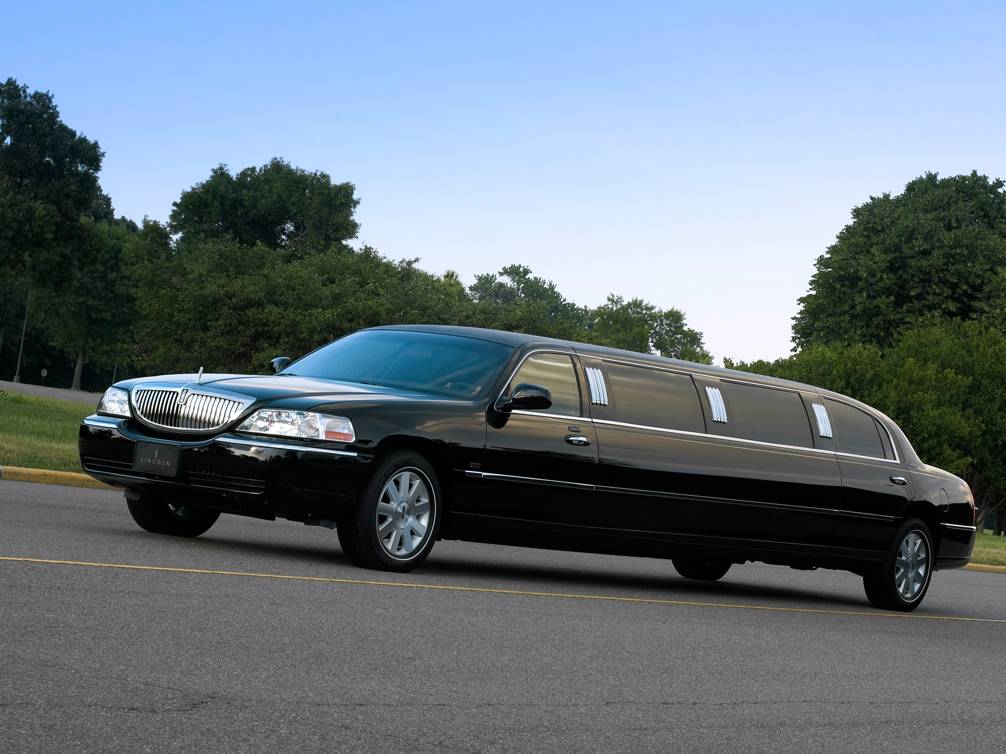Lincoln Town Car Limousine wallpaper 2018 in Lincoln 2048x1536