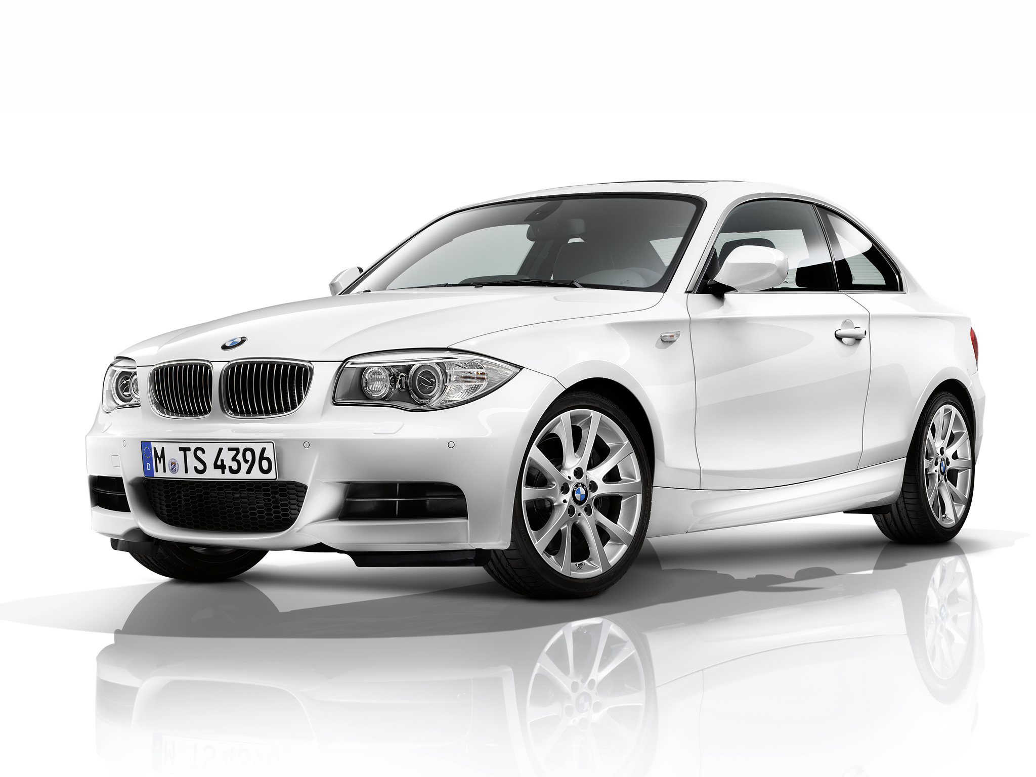 BMW 135i Coupe E82 Wallpapers Car wallpapers HD 2048x1536