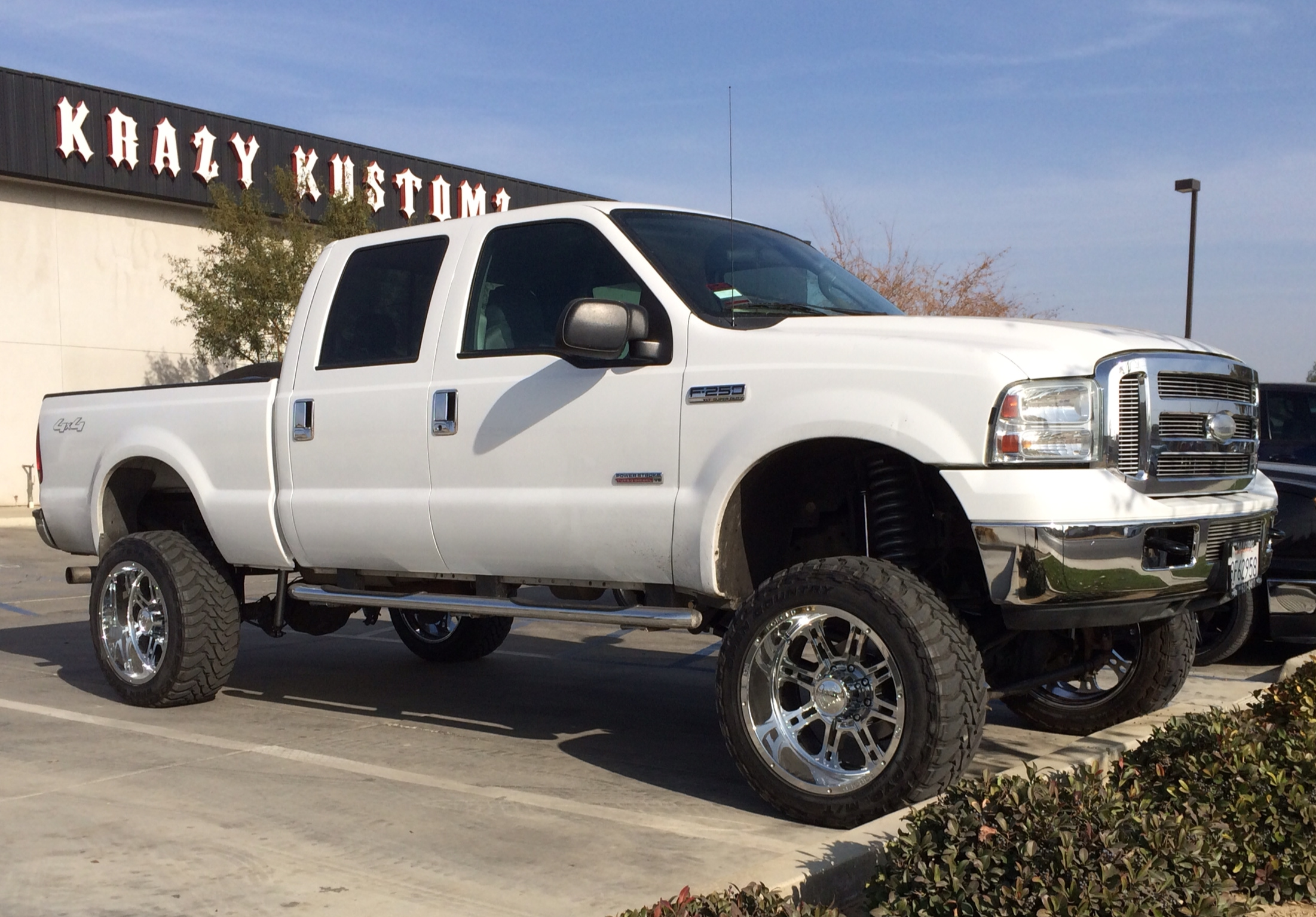 Ford F250 Lifted Diesel Ford F250 F350 diesel 8in with 4 link 2202x1535