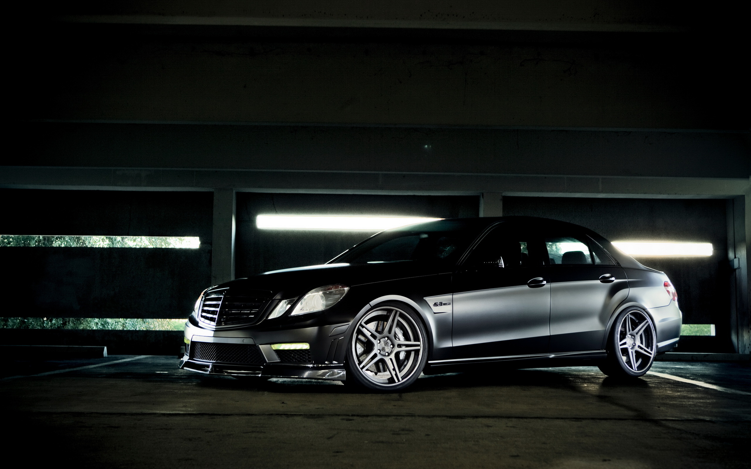 Mercedes Benz E63 AMG wallpapers and images   wallpapers pictures 2560x1600